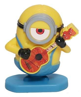 Mimoň Stuart s kytarou