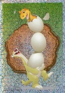 Sid drží líhnoucí se vajíčka