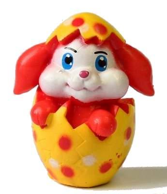 Červený zajíček ve vajíčku
