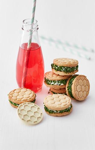 Slané sušenky s pažitkovou náplní